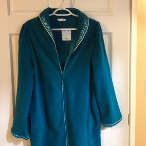 Addona Sz Small women's zip up robe NWT